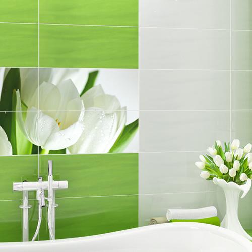 глянцевая зеленая плитка в ванной комнате